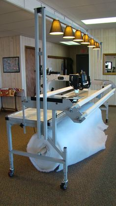 My Gammill Long Arm Quilting Machine-note batting role Quilting Room, Longarm Quilting, Free Motion Quilting, Quilting Rulers, Sewing Room Design, Sewing Studio, Sewing Rooms, Quilting Designs, Quilting Patterns