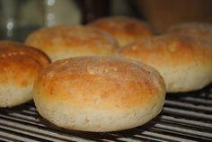 Wow, ytterligare ett favoritrecept att lägga till samlingen. Det här kan vara det godaste brödet jag bakat. Brödet baseras på en gröt och...