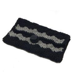 Rippled Shells Clutch - A free Crochet pattern from jpfun.com.