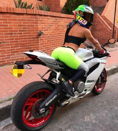 Just out here having a lot of fun! Motorbikes are certainly not only meant for guys Dirt Bike Girl, Motorbike Girl, Motorcycle Bike, Lady Biker, Biker Girl, Motard Sexy, Photographie Indie, Chicks On Bikes, Hot Bikes