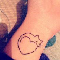 Tatouage chat cœur