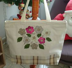 Reusable Shopping Bags, Reusable Tote Bags, Painted Bags, Diy Bags Purses, Embroidery Bags, Jute Bags, Bag Patterns To Sew, Cotton Bag, Cotton Fabric