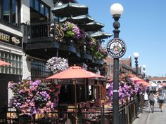 Ahhh loved the byward market when I lived in Ottawa! Memories!