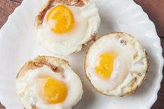 High protein breakfast ideas for weight loss. Eggs and toast breakfast cups. Best protein source foods to eat on weight loss. Best weight loss high proteins recipes for breakfast. High Protein Breakfast, Egg Recipes For Breakfast, Breakfast Toast, High Protein Low Carb, High Protein Recipes, Low Carb Recipes, Cooking Recipes, Breakfast Ideas, Clean Breakfast