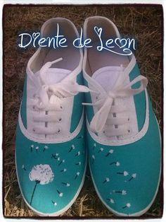 Diy Fashion, Fashion Shoes, White Tennis Shoes, Decorated Shoes, Shoe Art, Painted Shoes, Custom Shoes, New Shoes, Designer Shoes
