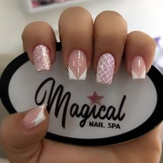 Aycrlic Nails, Bling Nails, Gold Nails, Nail Manicure, Cute Nails, Pretty Nails, Nail Designs Bling, Pink Acrylic Nails, Mermaid Nails