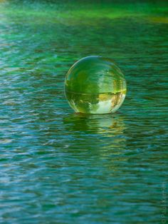 #Trevarez : l'eau en bulle de Shigeko Hirakawa (4 photos) #Bretagne #Finistere, #BZH © Paul Kerrien  http://toilapol.net #vert #green  #Sculpture #installation