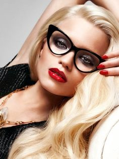 sensational with glasses...http://www.stylechum.com/category/makeup-tutorials/makeup-with-glasses/