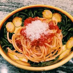 pasta all amatriciana Pasta All Amatriciana, Spaghetti, Meals, Ethnic Recipes, Food, Meal, Yemek, Yemek, Noodle