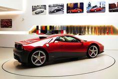 以前からその存在は確認されていたが、フェラーリが特別注文を受けて製作した世界に1台のモデルが24日、公式サイト上で正式に発表された。オーダーした人物は、著名なミュージシャンにして大のクルマ好きとして知