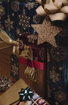 Our gorgeous range of Jewels Christmas gift wrap oozes opulence.