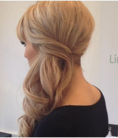 Image from http://www.salon2hairdressing.ie/blog/wp-content/uploads/2014/12/Side-Ponytail.jpg.