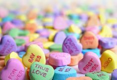 Playing - JigsawPuzzles.io Valentines Day Sayings, Valentine Images, Valentines Day Activities, Happy Valentines Day, Valentine Gifts, Candy Hearts, Paper Hearts, Quotes Loyalty, Candy Pictures