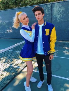 Loren Gray and Brent Rivera Halloween Costumes For Girls, Costumes For Women, Couple Halloween, Halloween Makeup, Halloween 2018, Halloween Ideas, Teen Couples, Cute Couples, Couple Senior Pictures