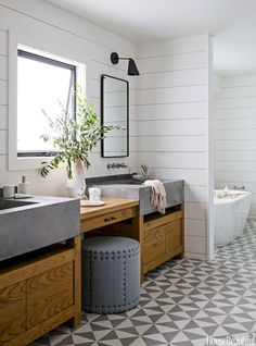Insane Farmhouse Bathroom Remodel Ideas (6)