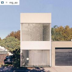 #Repost @mg_ao.  Park Lane House from Park Lane. #MGAO #Architecture #Office #StKildaWest #House #architecture #australiandesign #blue #sky #sun by ausdesignreview