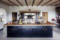 VOGUE lifestyle | designhunter | キュートで実用的なキッチンの名脇役。 | 5