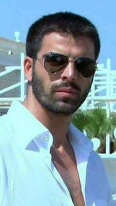 Stylish Men, Men Casual, Handsome Arab Men, Beautiful Men Faces, Simple Man, Awesome Beards, Interesting Faces, Turkish Actors, Dream Guy