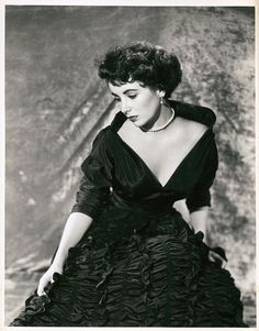 """Elizabeth Taylor from A Place in the Sun by A. L. """"Whitey"""" Schafer."""