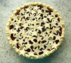 Cave Cibum: Cherry Lime Pie - I'm using tart Montmorency cherries instead of the sweet ones, but it sounds delicious! Köstliche Desserts, Delicious Desserts, Dessert Recipes, Pie Crust Recipes, Pastry Recipes, Pie Dessert, Eat Dessert First, Beautiful Pie Crusts, Pie Crust Designs