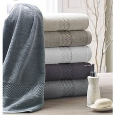 Chenille Towels: Kassatex® 650gsm Chenille Towels are made in Turkey of 100% Combed Long Staple Turkish Cotton. Plush and enduring softness combines with a stylish border exhibiting a modern chevron detail. These towels have an look of elegance and touch of Luxury.