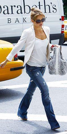 KATE HUDSON flare jeans, cream blazer