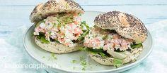 Deze zalmsalade maak je met Hüttenkase in plaats van mayonaise. Zo schotel je jezelf een lekkere en gezonde lunch voor!