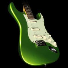 Used 2011 Fender Custom Shop Custom Deluxe Stratocaster Electric Guitar Metallic Lime Green