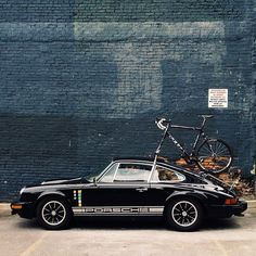Porsche 912e - Soho NYC. Well, ain't that a caution ...