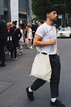 Kevin Elezaj - Vans Sneakers, H&M Suit Pants, Selfmade Bag, Jutebeutel T Shirt, Nike Beanie - Parisian