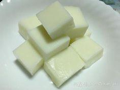 鮮奶雪花凍 8. 不沾粉單吃也很好吃,綿潤口感,入口即化