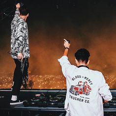 Yellow Claw photographed for Voodoo Fest I think it looks so cool when the crowd lights up their phones💡 Flame Of Recca, Blood C, Music Photographer, Charles Xavier, Avengers Age, Muscle Shirts, Weight Loss Detox, Edm, Music Artists