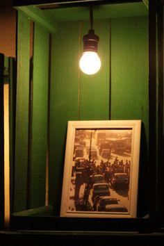 Caixotes de feira que viraram estante :-)  http://saladadacasa.blogspot.com.br/