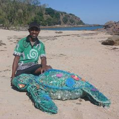 An artist from Torres Strait helps clean up a central Qld beach and create a work of art at the same time. An artist from Torres Strait helps clean up a central Qld beach and create a work of art at the same time. Plastic Art, Plastic Beach, Plastic Bottles, Waste Art, Recycled Art Projects, Recycled Crafts, Beach Clean Up, Instalation Art, Trash Art