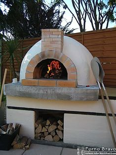 Home Pizza Oven, Build A Pizza Oven, Pizza Oven Outdoor, Pizza Oven Outside, Wood Oven, Wood Fired Oven, Wood Fired Pizza, Backyard Fireplace, Fireplace Ideas