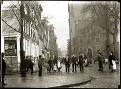 vintage everyday: Amsterdam in Victorian Era – 28 Impressive Vintage Photos of the Capital of Netherlands Before 1900 Kingdom Of The Netherlands, New Amsterdam, 17th Century Art, Strange Photos, Luxor Egypt, Future City, Rotterdam, Old Pictures, Victorian Era