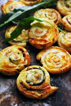 "Ricotta Cheese, Rocket and Ham Puff Pastry Rolls ~ via this blog, ""Mais pourquoi est-ce que je vous raconte ça... Dorian cuisine.com"" ~ Scroll down for the English translation."