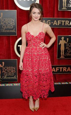 Maisie Williams looks radiant in red on the 2015 SAG Awards carpet!