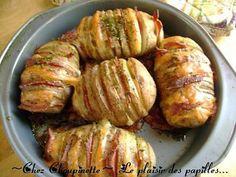 La meilleure recette de ~Pommes de terre papillon cheddar-bacon~! L'essayer, c'est l'adopter! 4.5/5 (11 votes), 27 Commentaires. Ingrédients: 1 pomme de terre par portion,Quelques tranches de bacon,Tranches de cheddar,Sel, poivre et persil