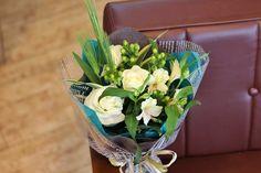 『ヒペリカム』を使用した花束