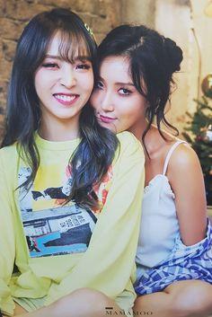 Hwasa y Moonbyul Kpop Girl Groups, Korean Girl Groups, Kpop Girls, K Pop, Divas, Mamamoo Moonbyul, Rap Lines, Celebs, Celebrities
