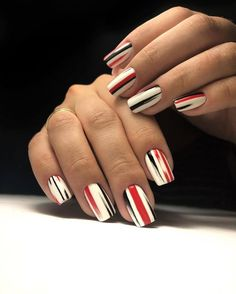 Discover new and inspirational nail art for your short nail designs. Classy Nails, Fancy Nails, Simple Nails, Red Nails, Cute Nails, Pretty Nails, Hair And Nails, Classy Nail Designs, Short Nail Designs