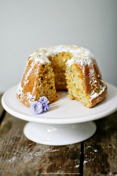 Mallorquinischer Mandelkuchen – mal als Gugelhupf.  Gluten free almond cake. German recipe blog