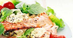 Vuohenjuusto-pestotäyte tekee uunilohesta vastustamattoman mehevää ja maukasta. Tätä kannattaa kokeilla! Katso ohje tästä!