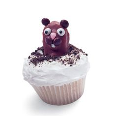 cuteness! Happy Groundhog's Day! Might have to make this for hubby's birthday on Groundhog's day