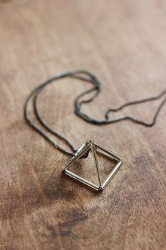 DIY Triangle Prism Necklace 2