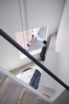Japanese architecture studio Swing has built a compact, shared house for eight people in the city of Osaka, Japan. New York Projects, Home Projects, Home Swing, Journal Du Design, Japan Architecture, Swing Design, Roof Plan, Ground Floor Plan, Osaka Japan