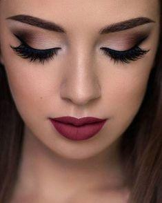 Gente do céu... o que são esses olhos e essa boca? Uma maquiagem ARRASADORA pro grande dia! http://gelinshop.com/ipost/1519912726204640362/?code=BUX0JJXBexq