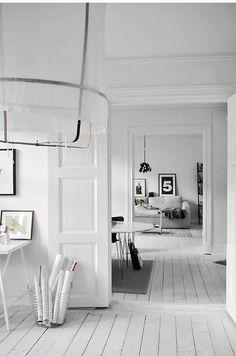 Decoração minimalista em preto e branco