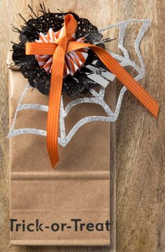 So Shelli - So Shelli Blog - Sara's Convention Projects - Halloween Wreath Kit alternate use.